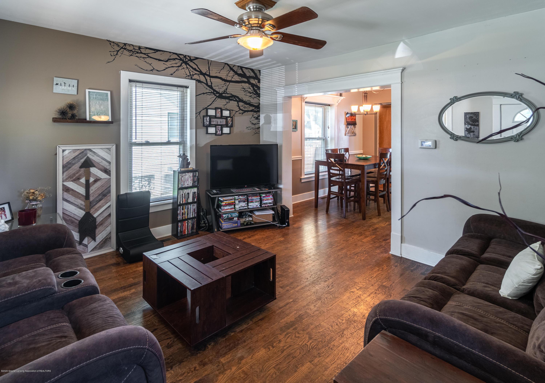 227 Prairie St - LIVING ROOM - 6