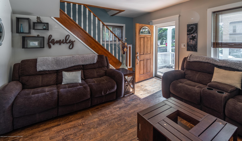 227 Prairie St - LIVING ROOM - 7