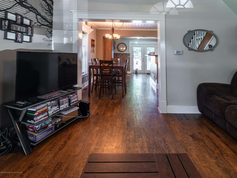 227 Prairie St - LIVING ROOM - 9