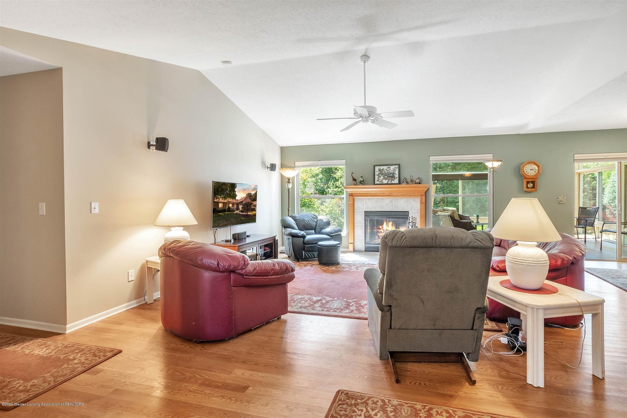 2383 Klompen St - Living Room - 5