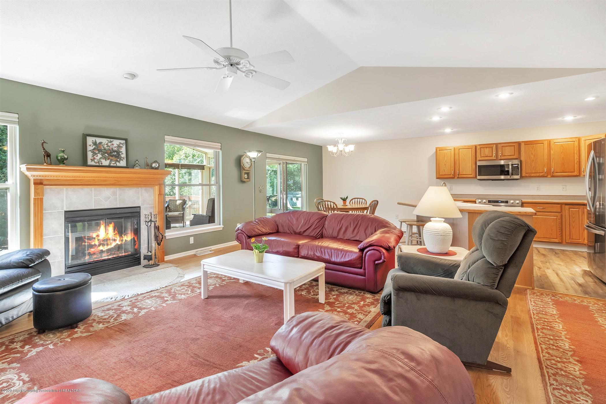 2383 Klompen St - Living Room - 6