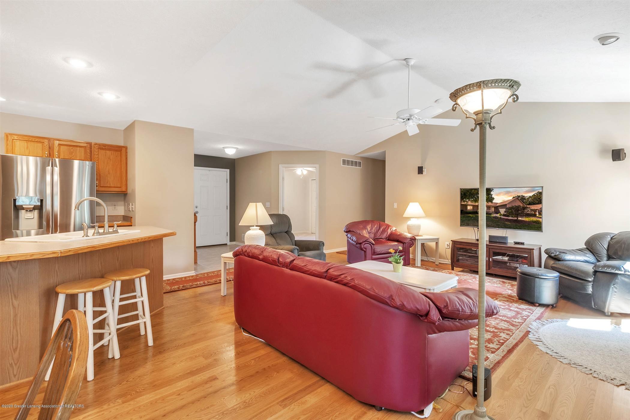 2383 Klompen St - Living Room - 7