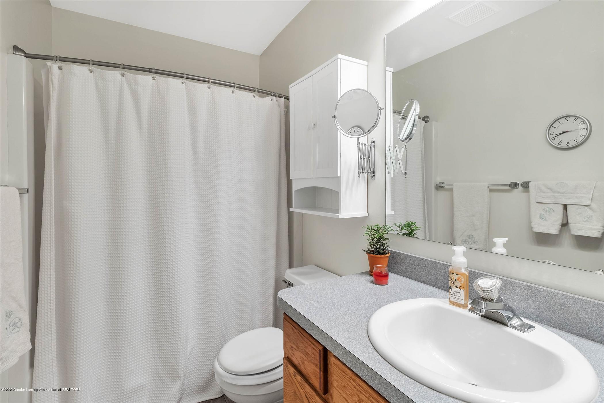 2383 Klompen St - Full Bath - 24