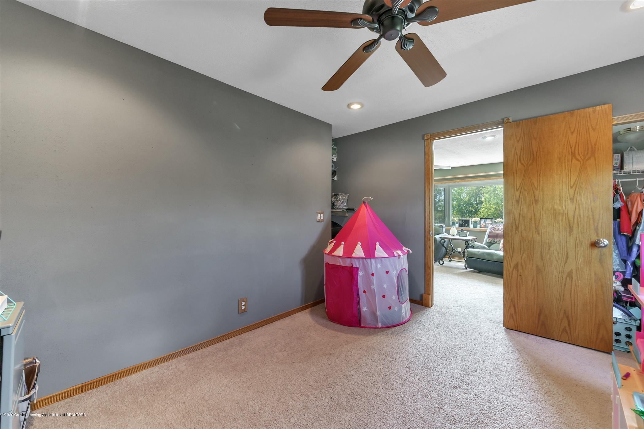 3690 N Chandler Rd - 12-3690 N Chandler-windowstill-real - 25