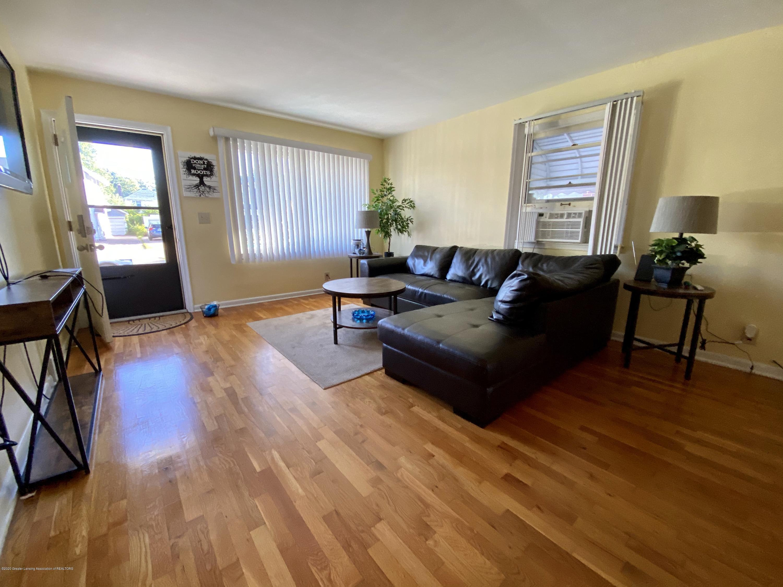 1618 N Genesee Dr - Living Room - 4