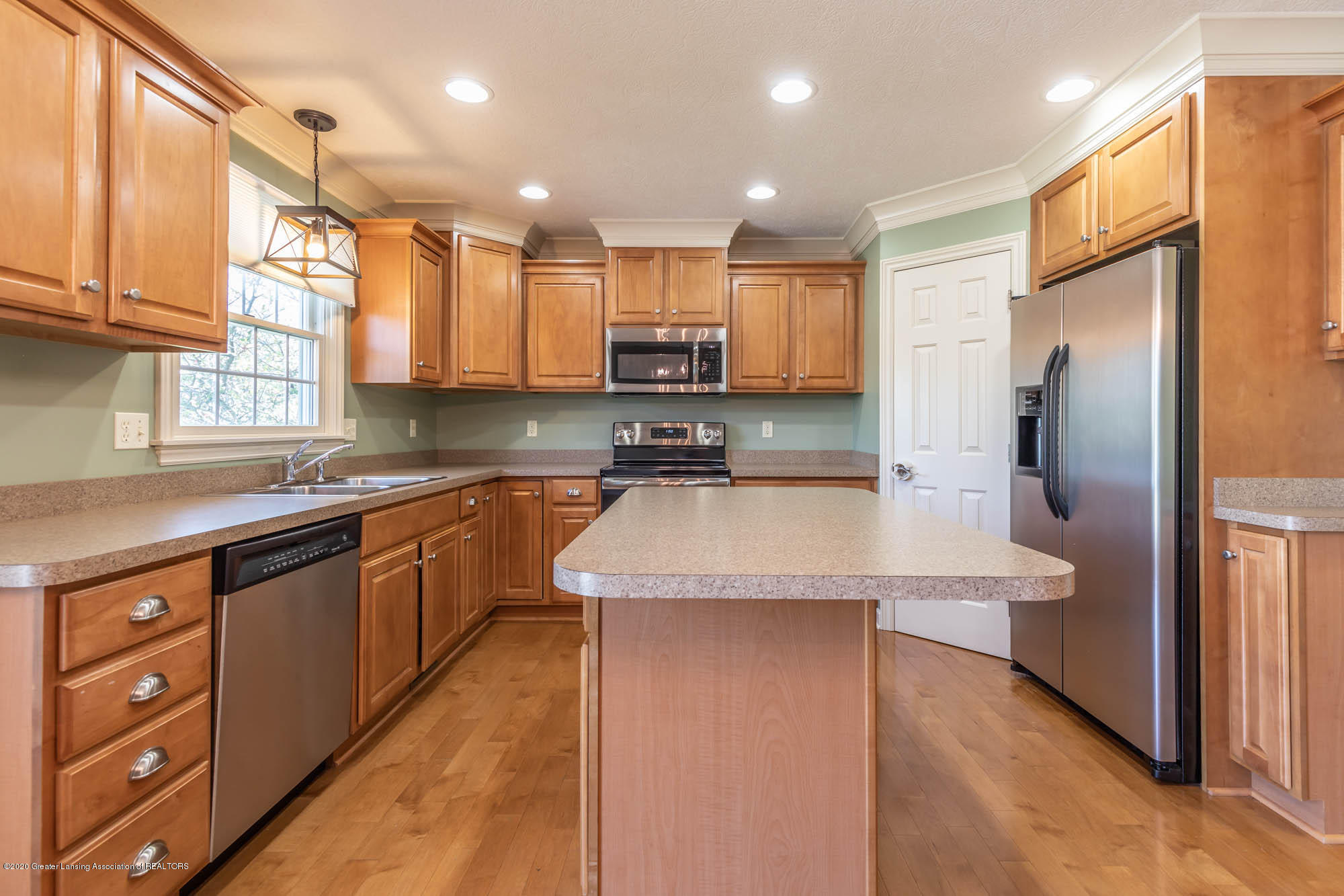 13260 Watercrest Dr - Kitchen - 9