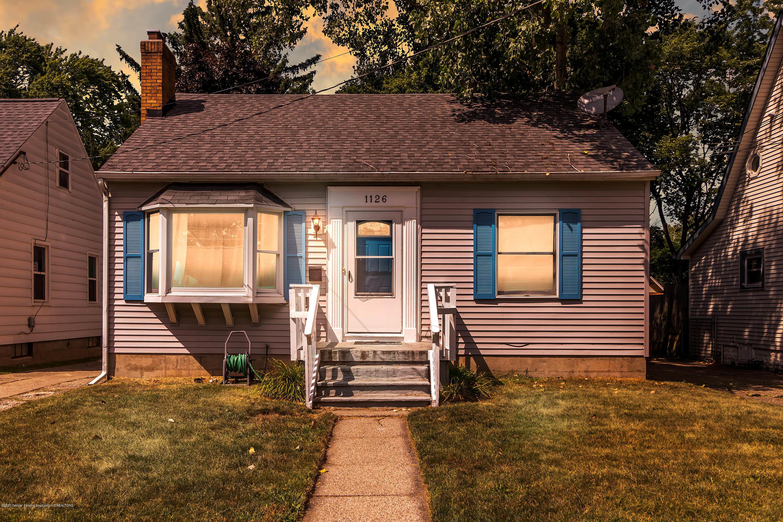 1126 Gordon Ave - 01-1126 Gordon Ave-WindowStill-Real - 1