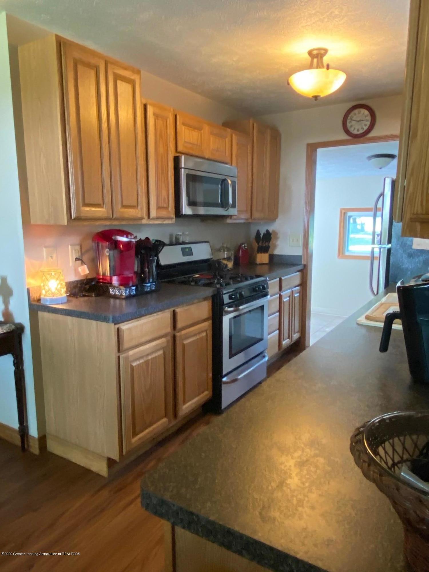 624 E Grand River Rd - Kitchen 2 - 8