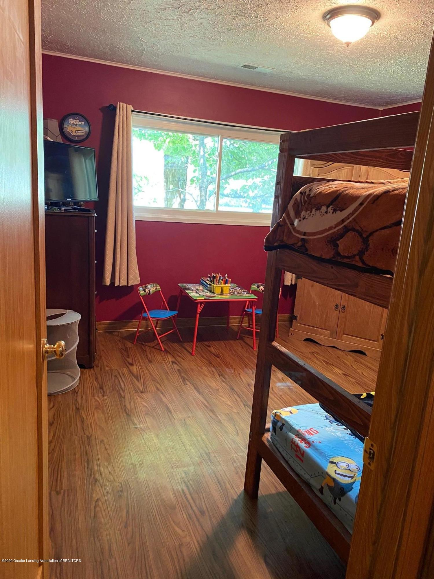 624 E Grand River Rd - 2nd Bedroom 1 - 17