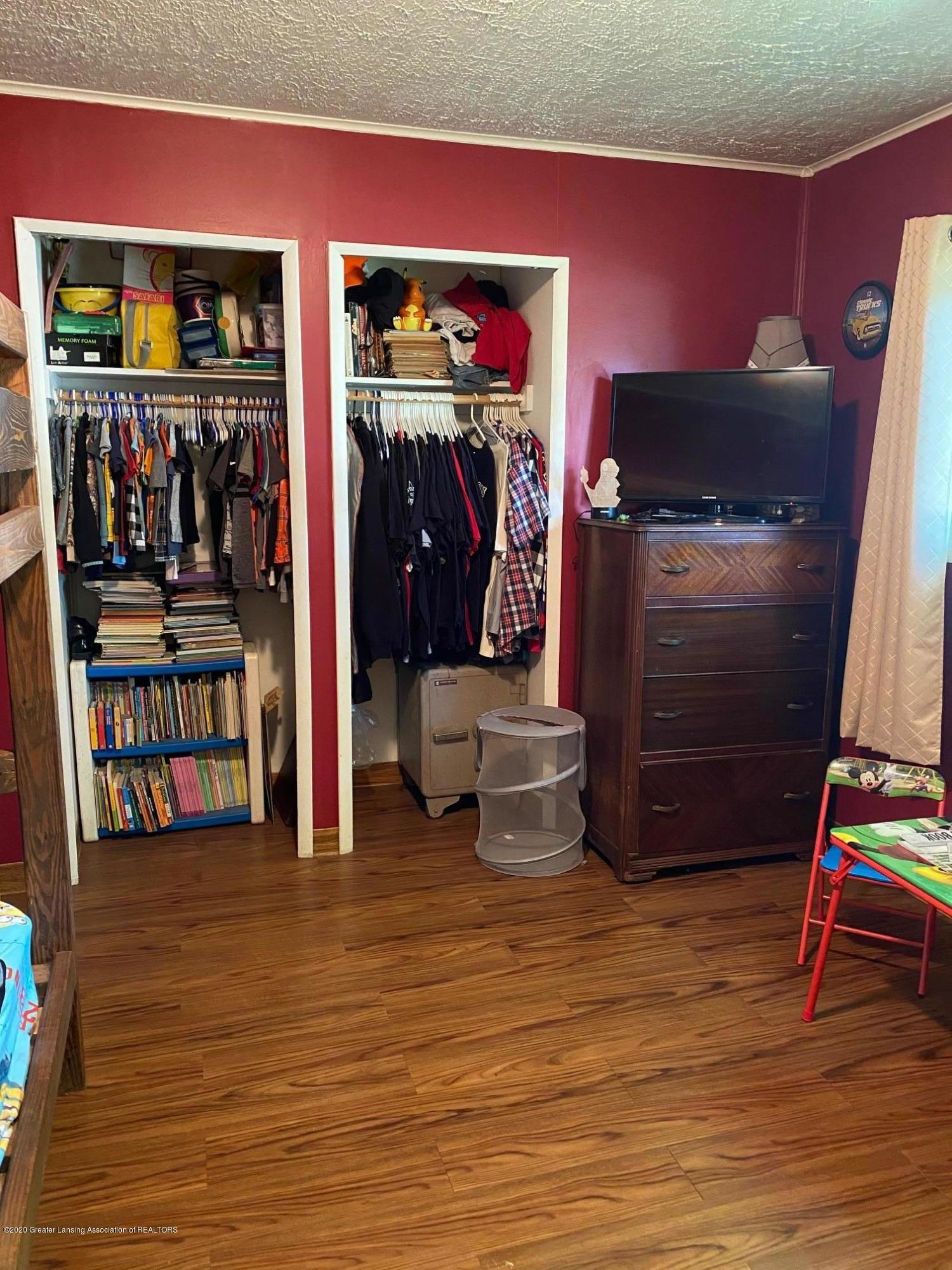624 E Grand River Rd - 2nd Bedroom 2 - 18