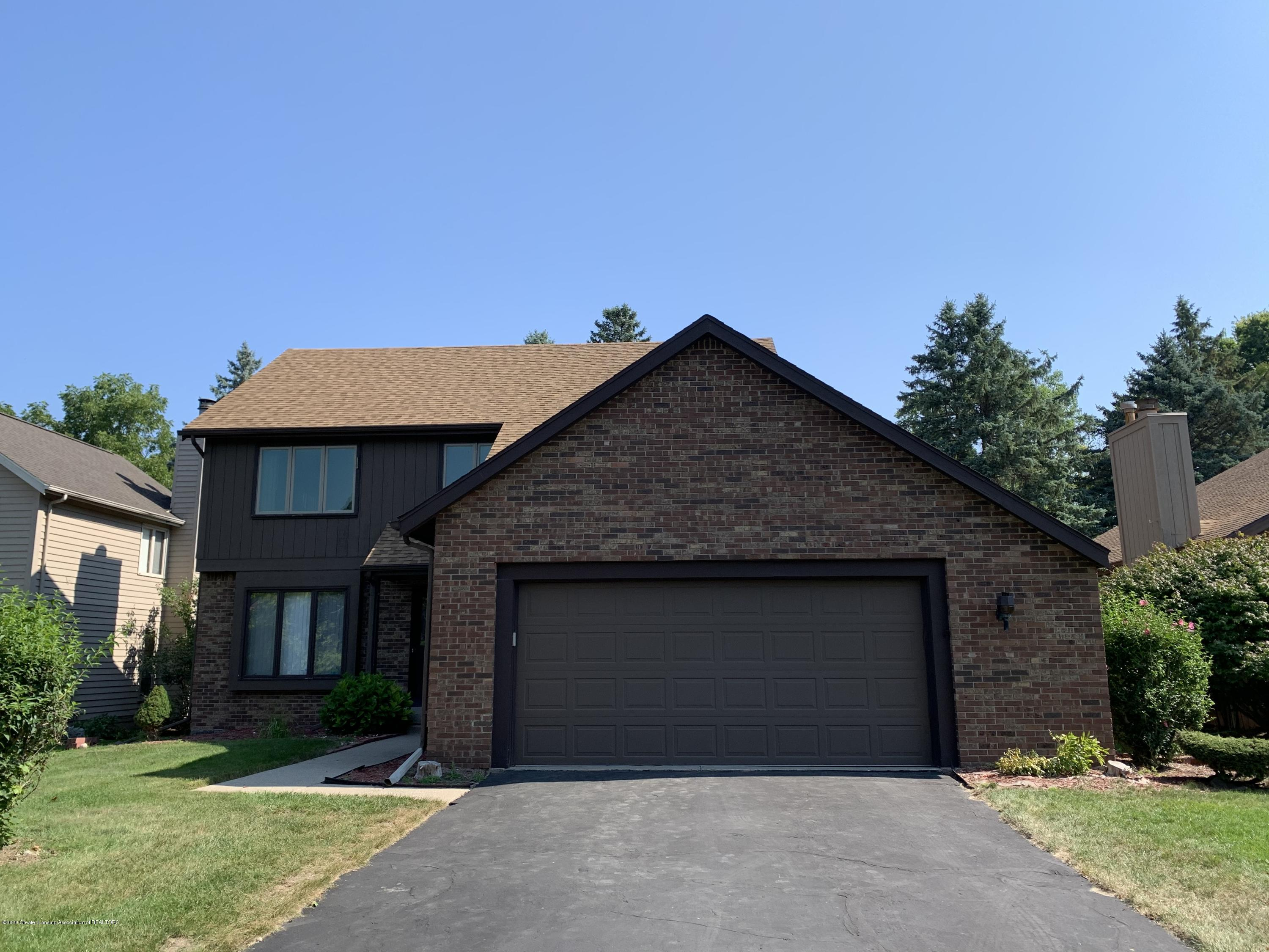 2584 Woodhill Dr - exterior - 1