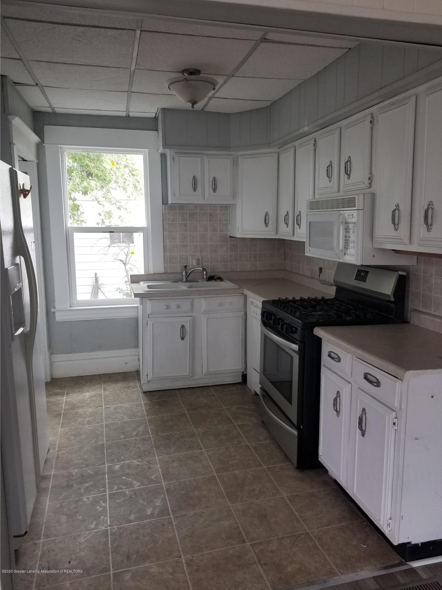 1819 Pattengill Ave - kitchen - 3