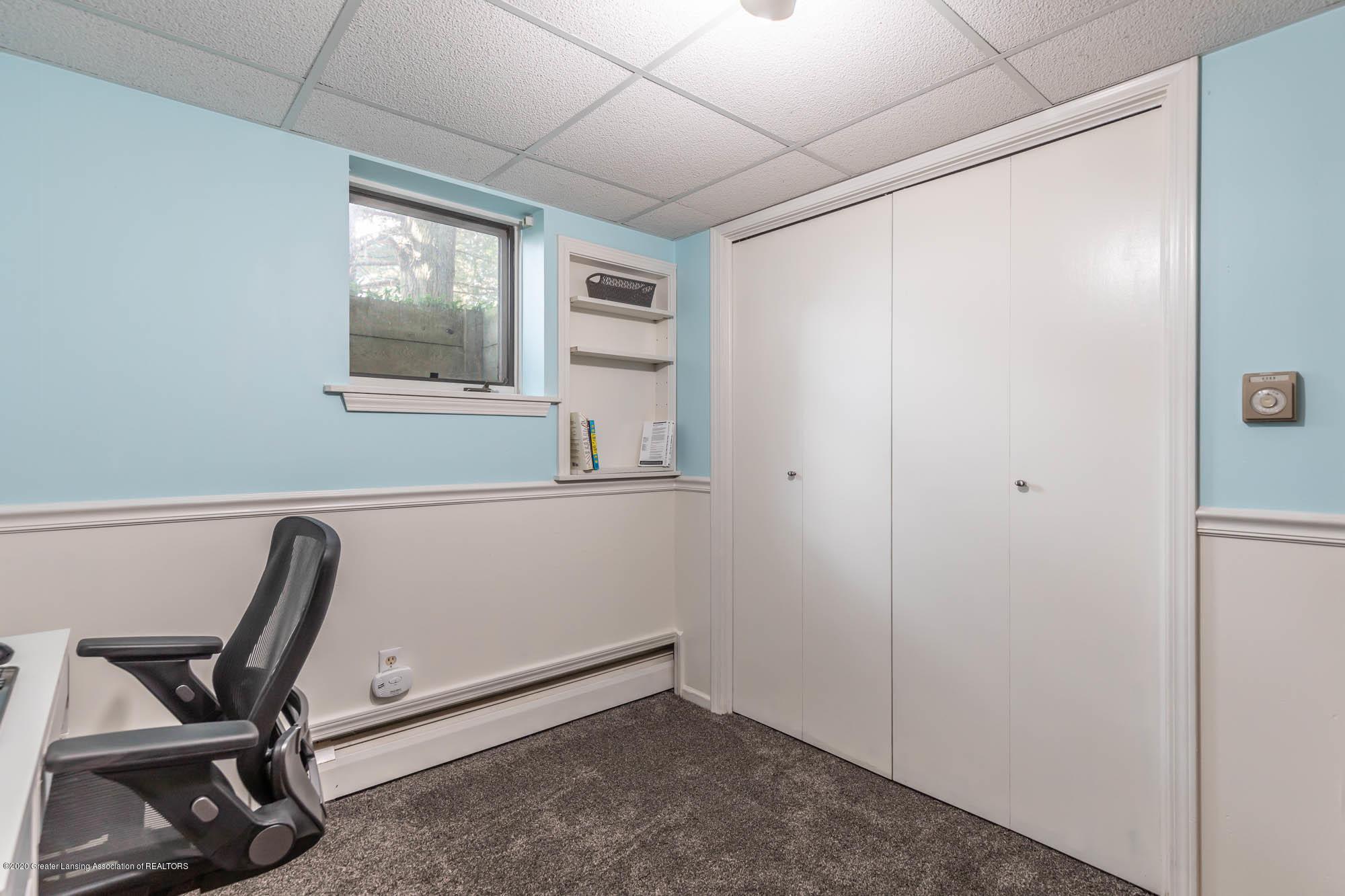 9523 Riverside - LL Room 5 - 44