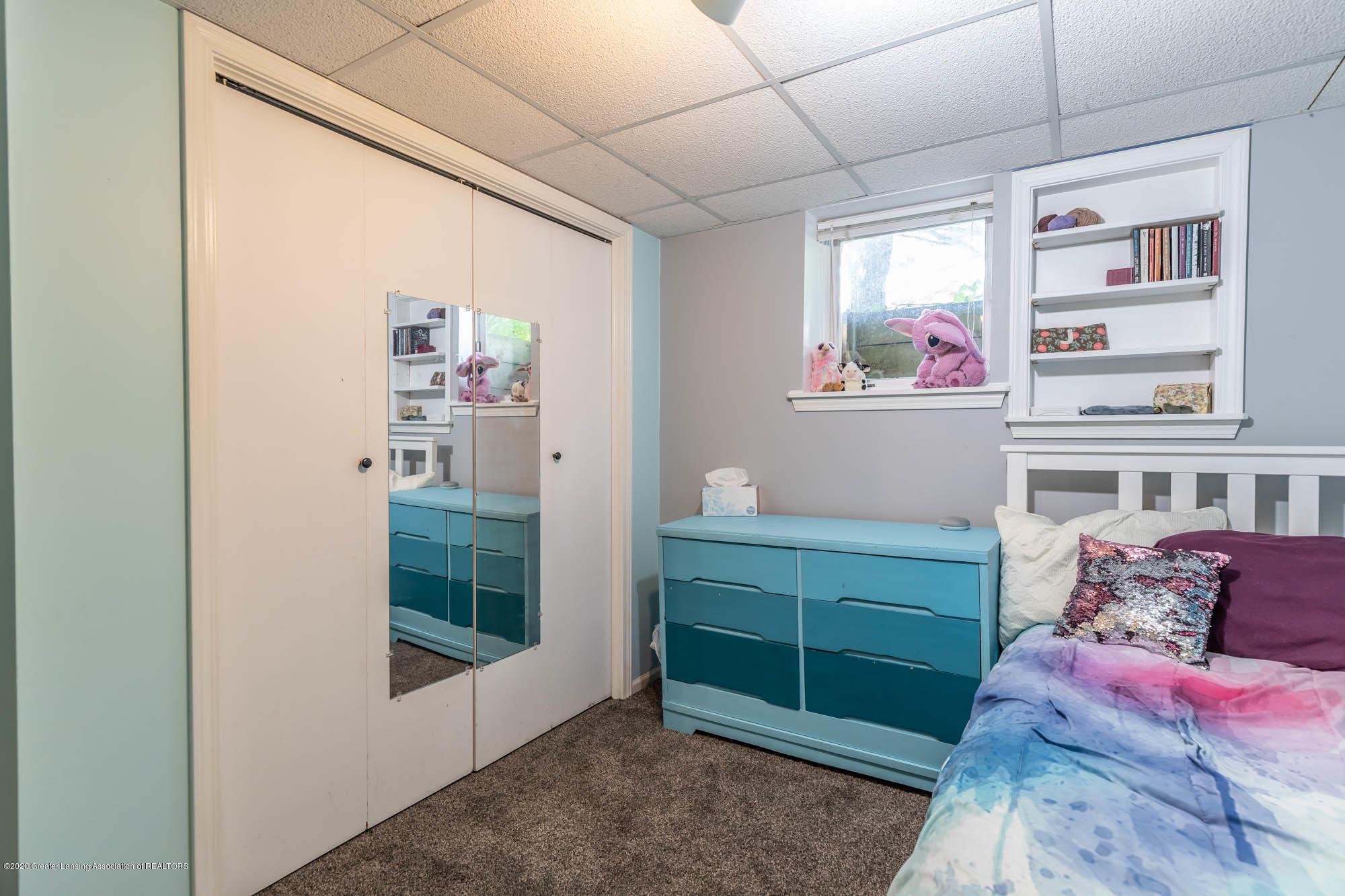 9523 Riverside - LL Room 6 - 46