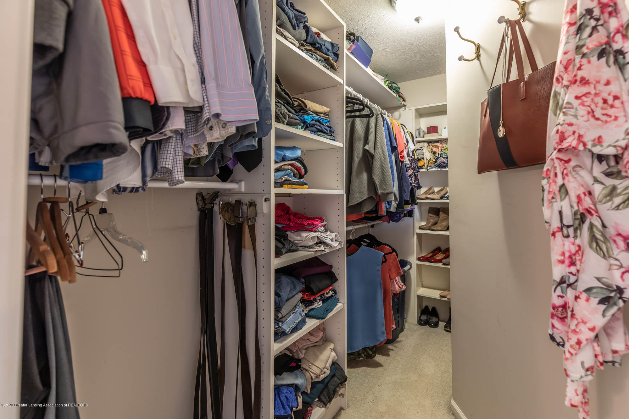 9523 Riverside - Master Walk In Closet - 32