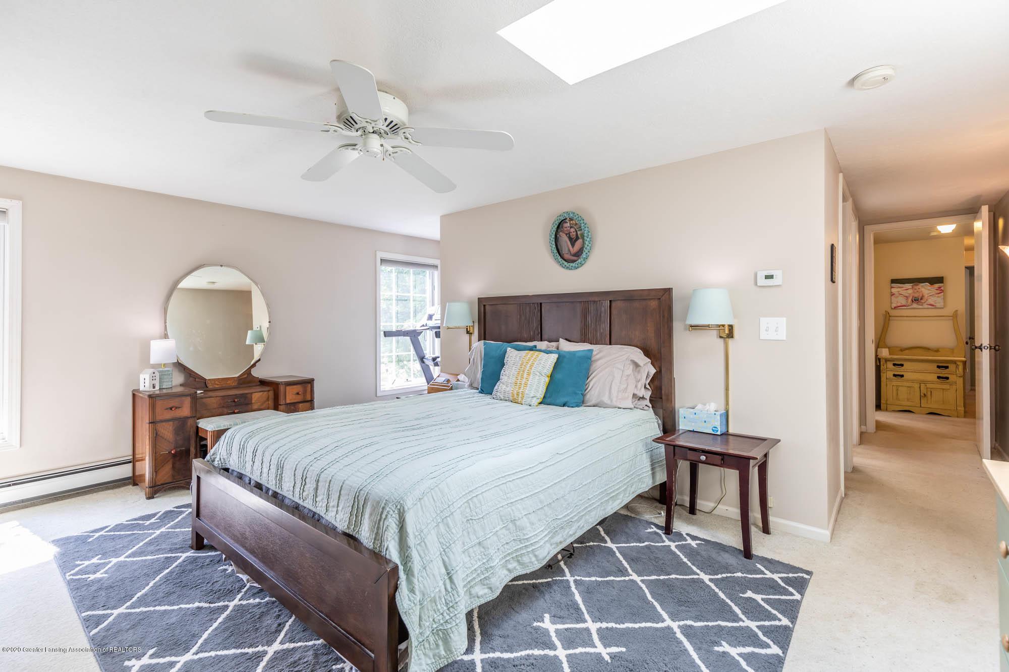 9523 Riverside - Master Suite - 28