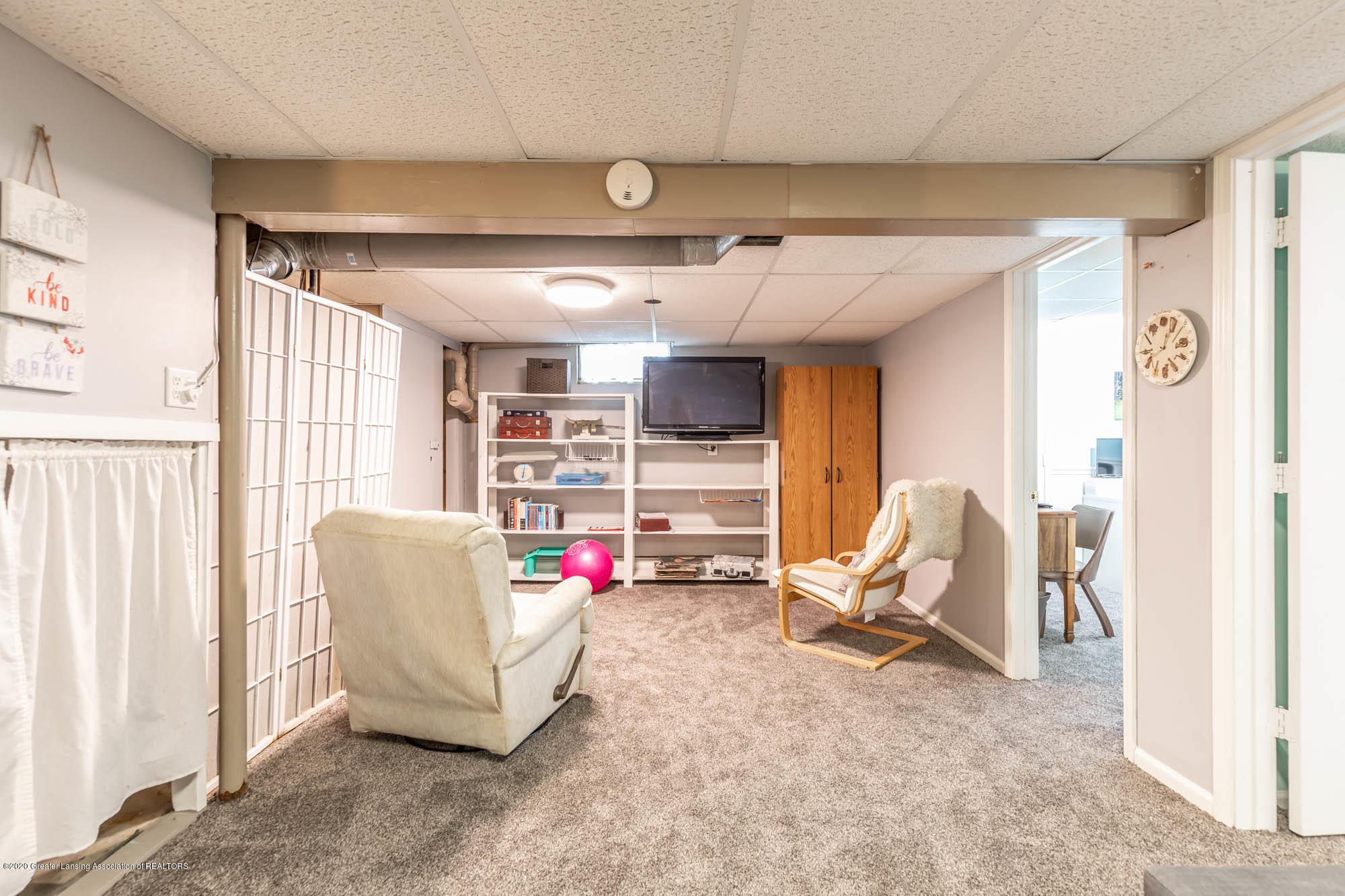 9523 Riverside - LL Family Room - 42