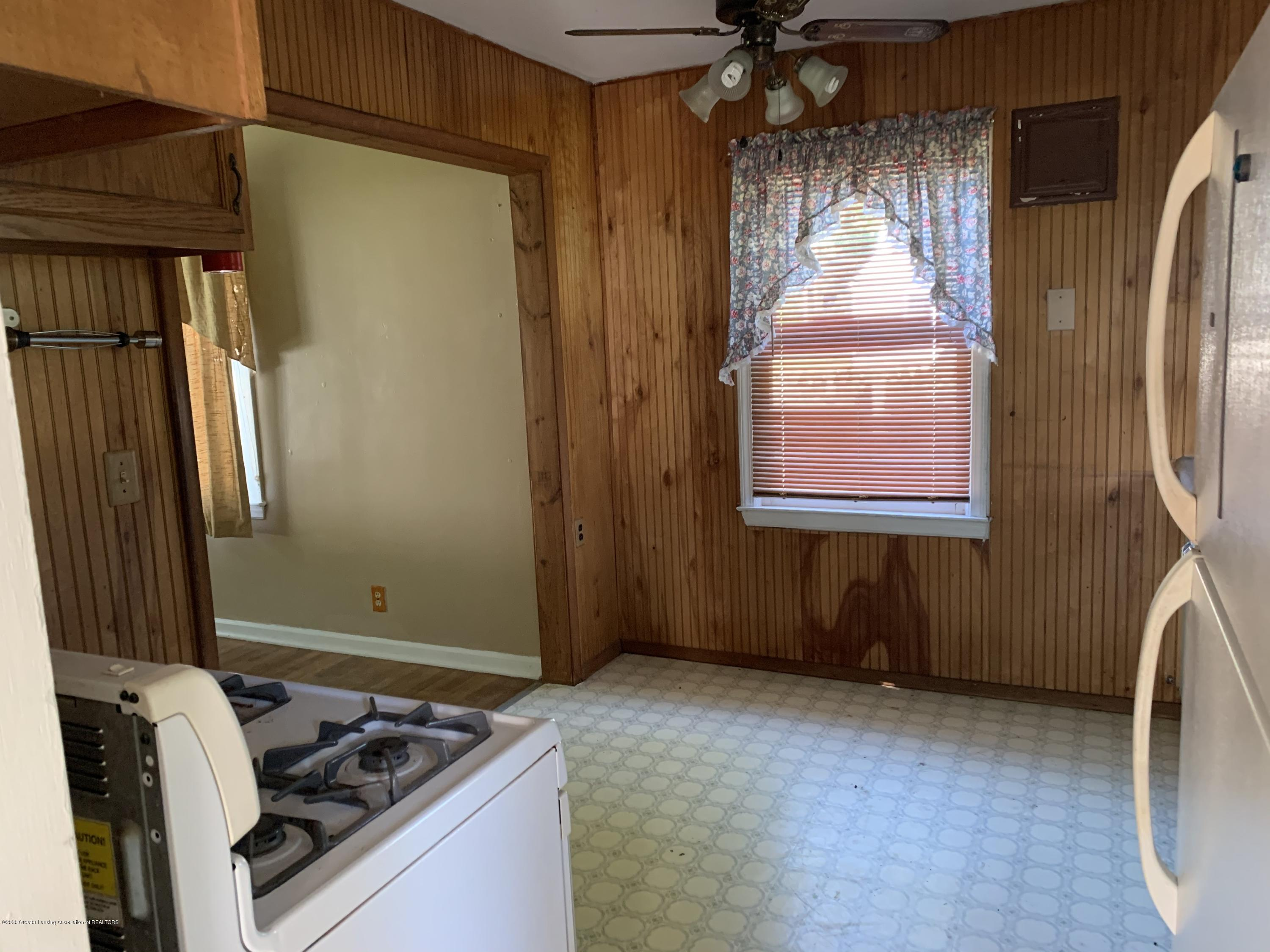 941 Varden Dr - Kitchen - 5