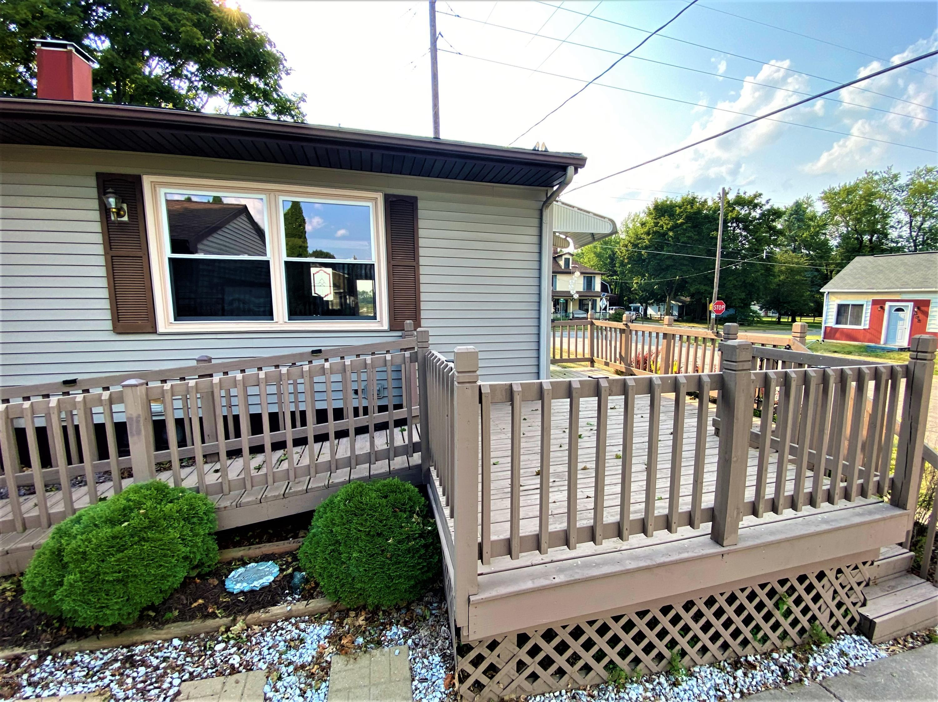 546 High St - Ext Side porch - 26