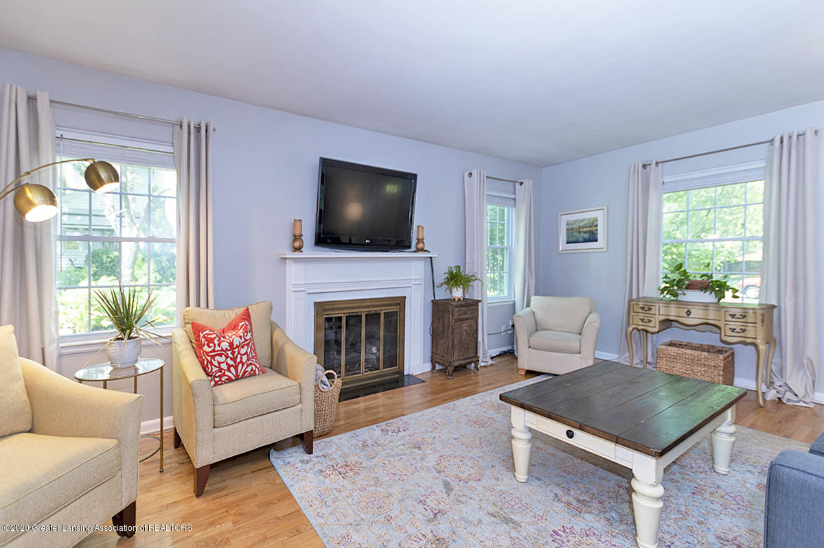 1025 Northlawn Ave - Living Room - 4
