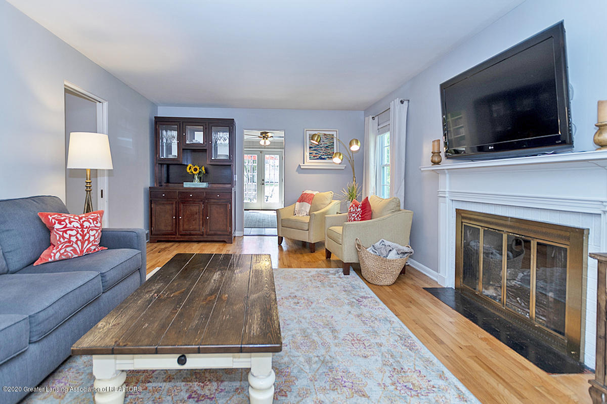 1025 Northlawn Ave - Living Room - 5