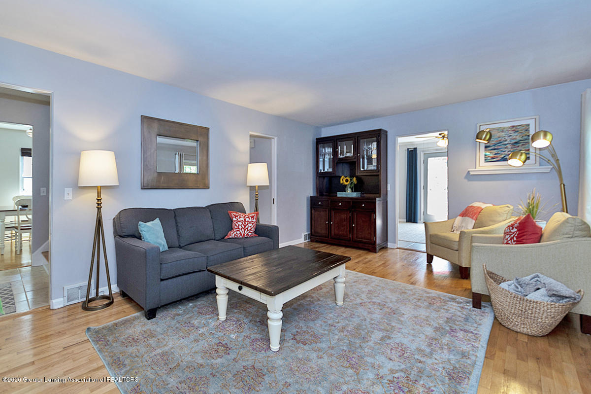 1025 Northlawn Ave - Living Room - 6