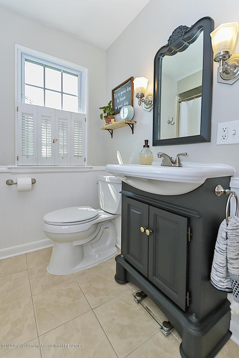 1025 Northlawn Ave - Full Bathroom - 20