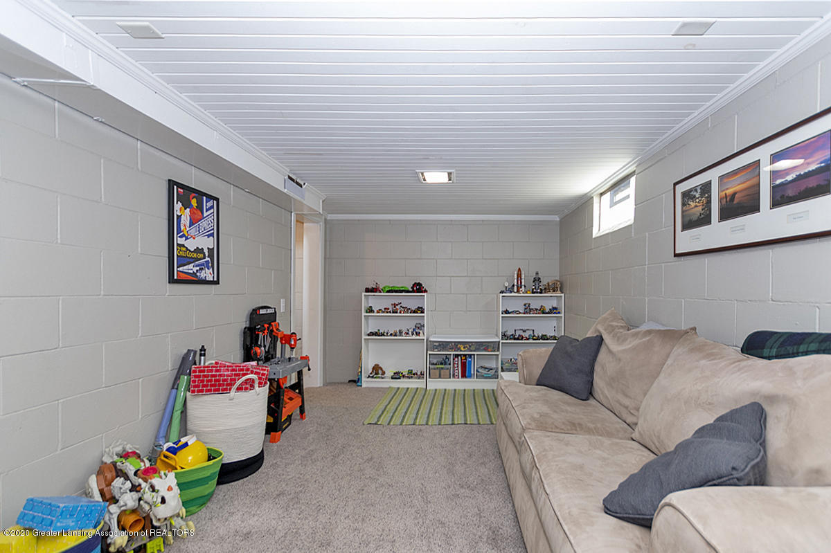 1025 Northlawn Ave - Recreation Room - 22