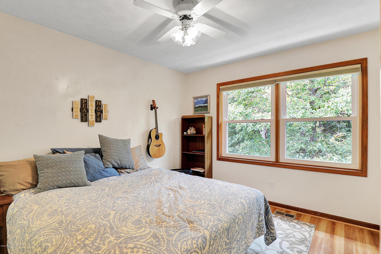9449 Buckingham Cir - Bedroom #2 - 36