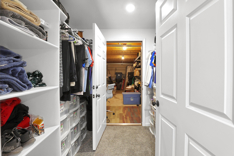 9449 Buckingham Cir - Master closet lower level - 25