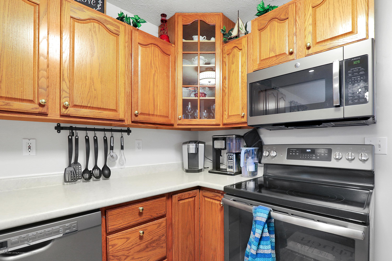 9449 Buckingham Cir - Kitchen - 12
