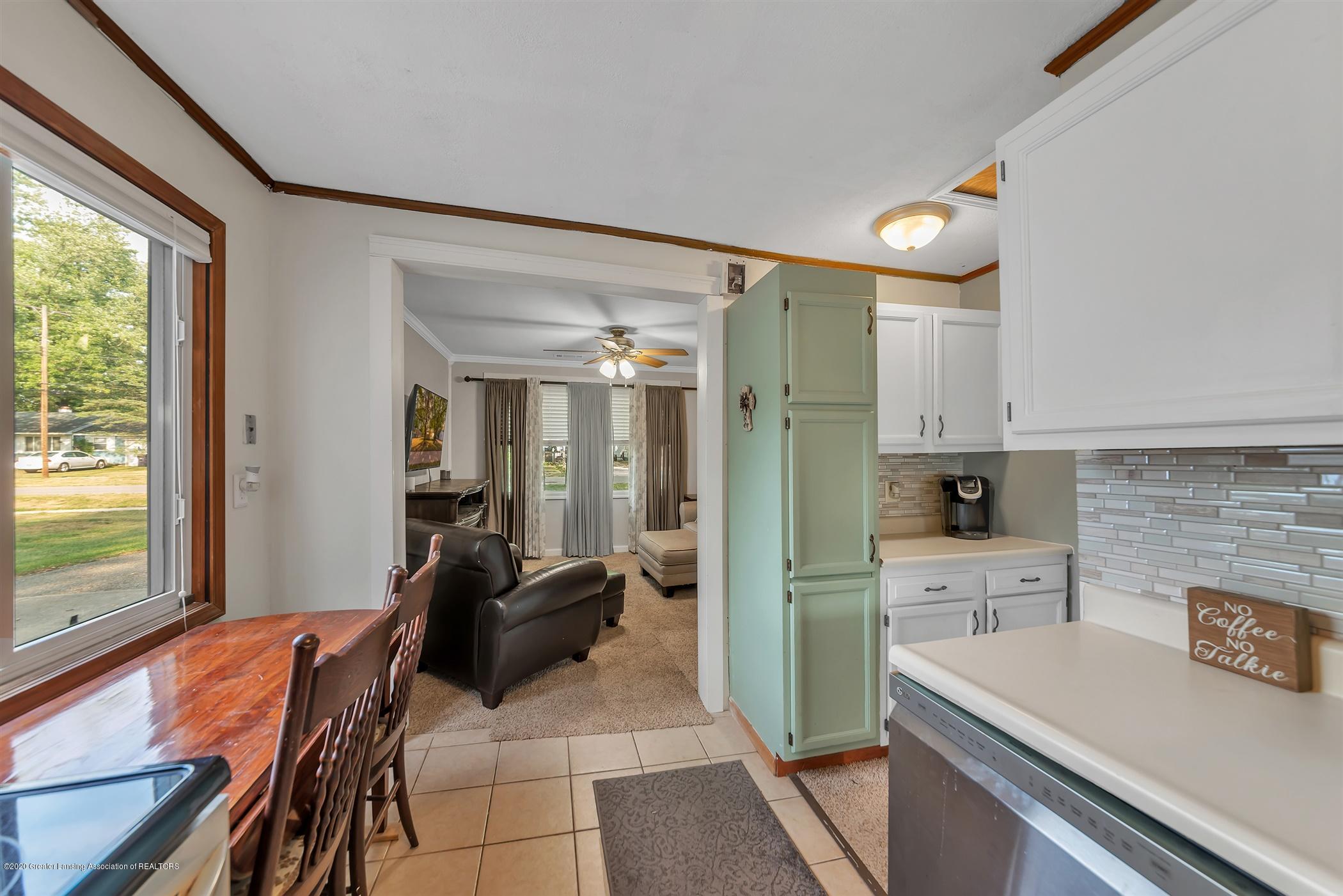 2029 Phillips Ave - 09-2029 Phillips Avenue-WindowStill - 9