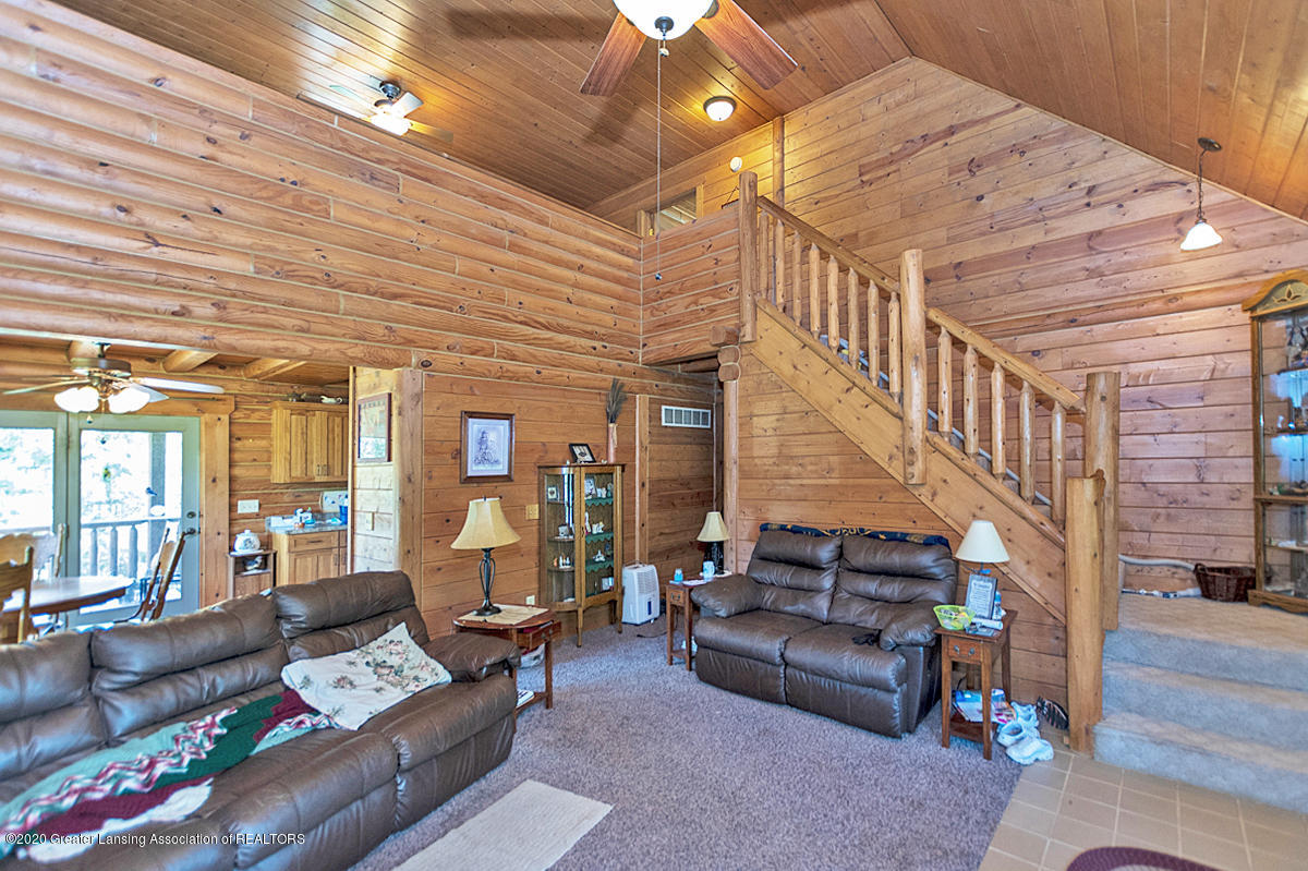 6898 E Spicerville Hwy - Loft/Living Room - 3