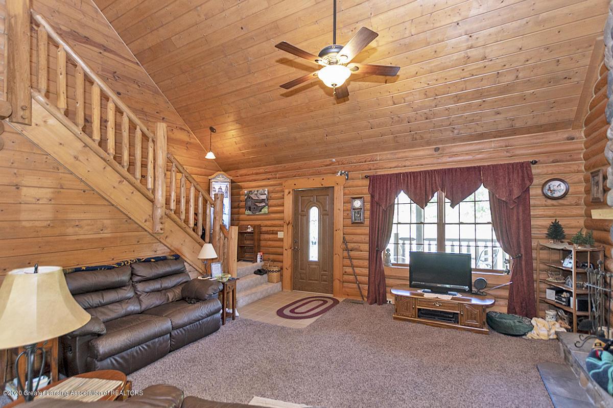 6898 E Spicerville Hwy - Living Room - 6