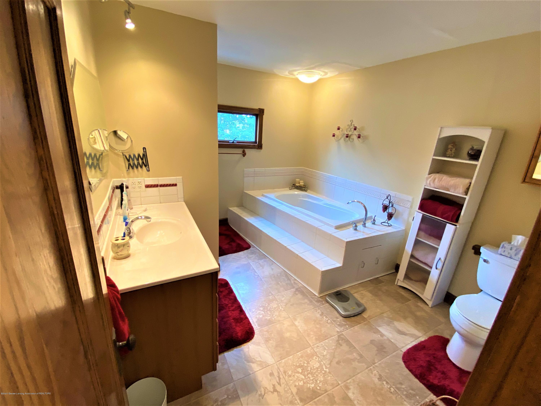 113 S Sheldon St - 22 Main Bath - 23