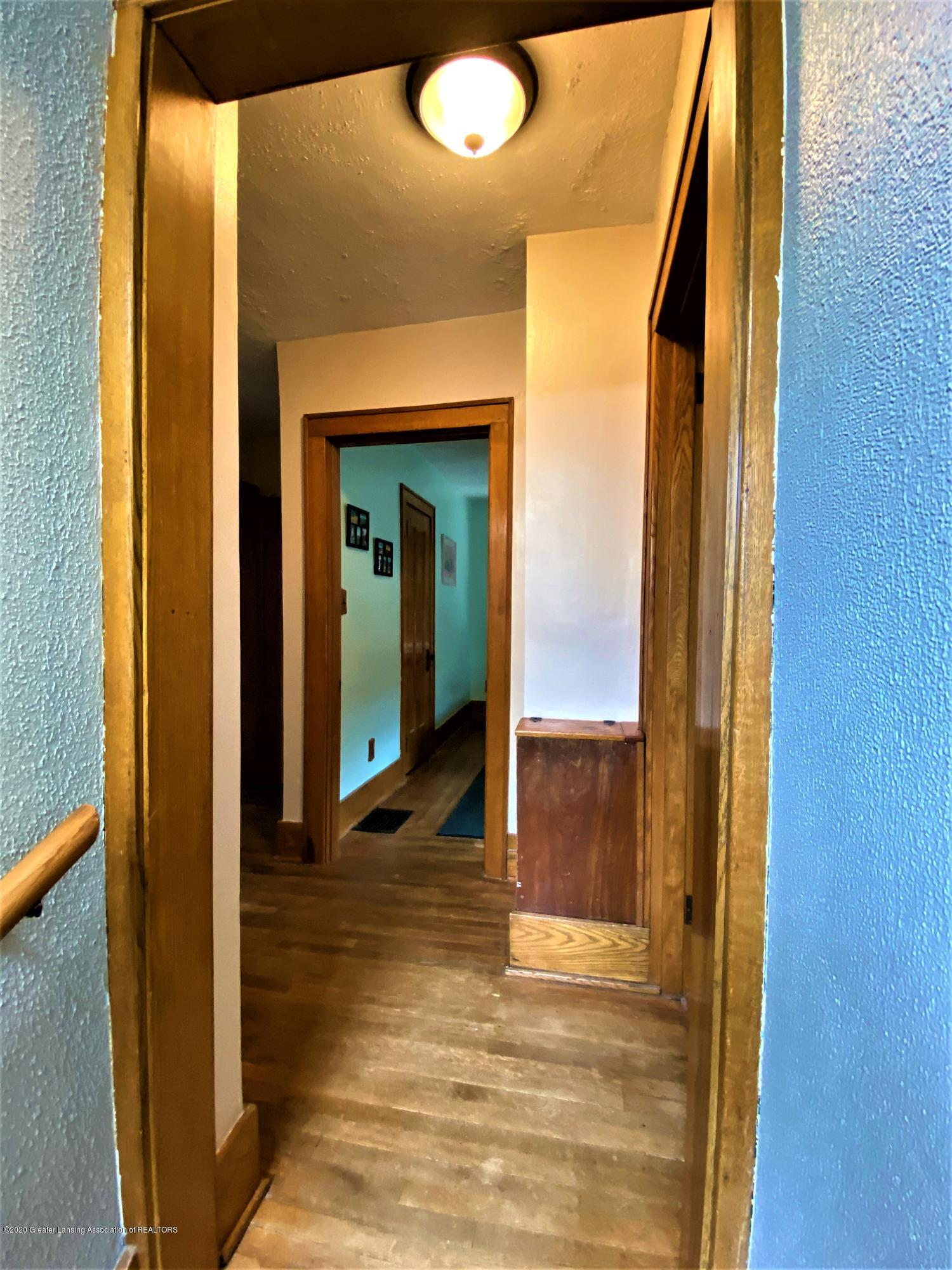 113 S Sheldon St - 25 2nd Floor Foyer - 26