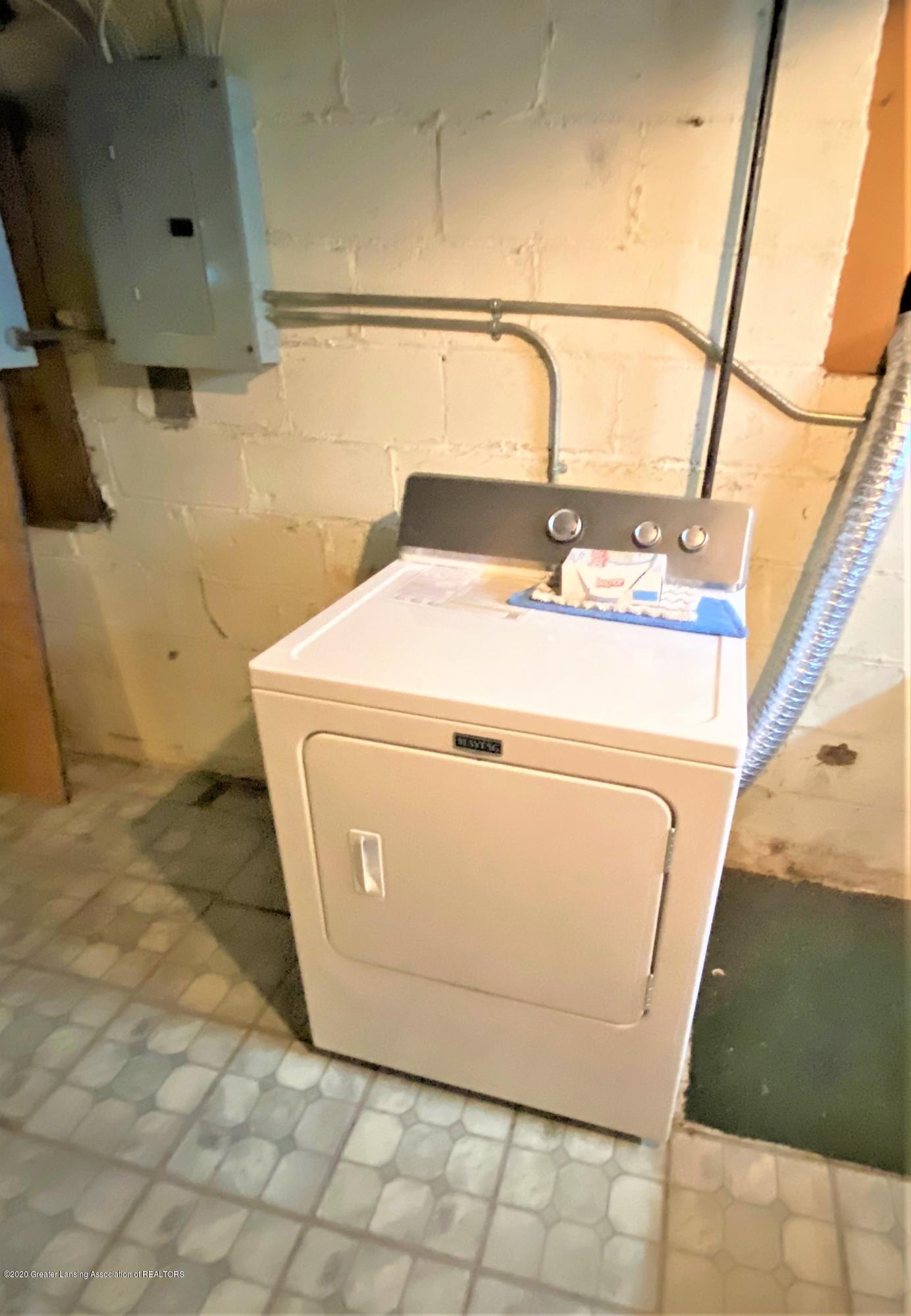113 S Sheldon St - 40 Dryer - 41