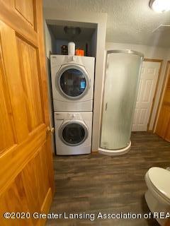5001 Boettcher Ct - laundry, bath - 8