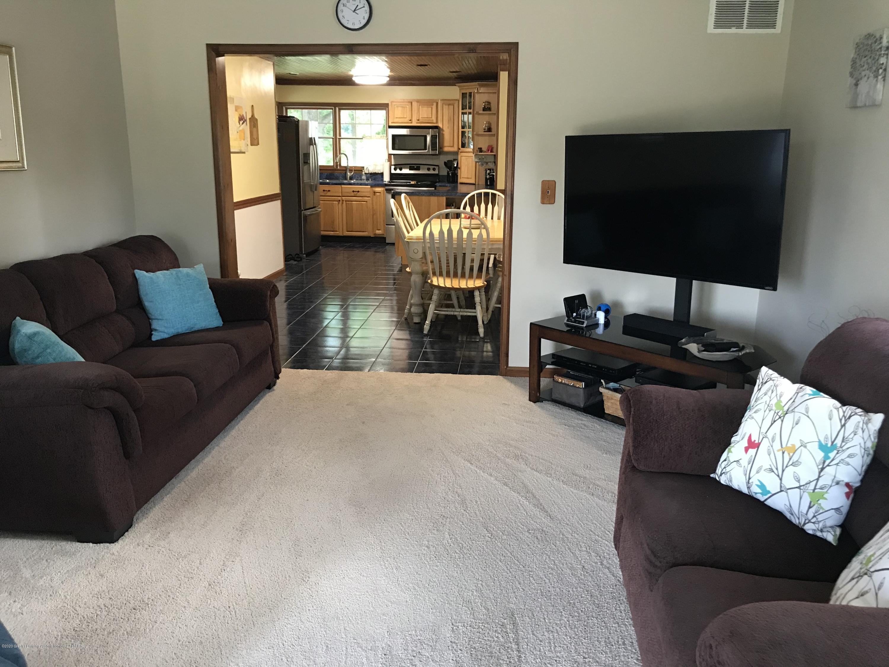 7840 Colby Lake Rd - Family room - 7