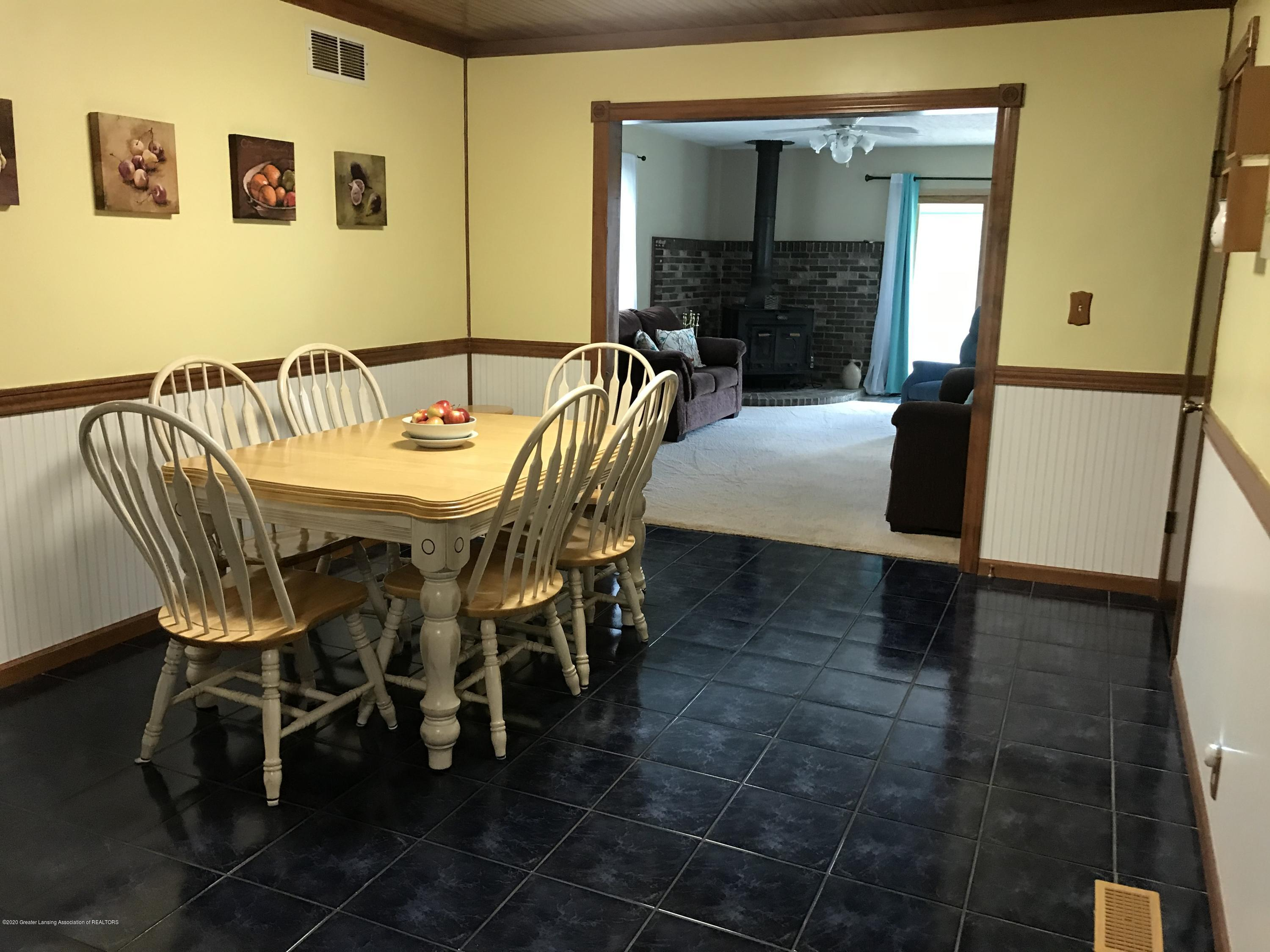 7840 Colby Lake Rd - Dining - 5
