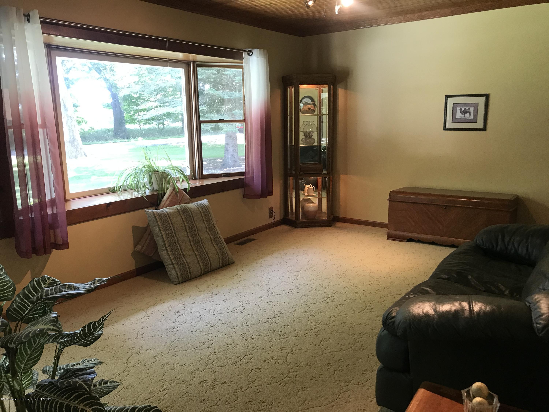 7840 Colby Lake Rd - Living room - 6