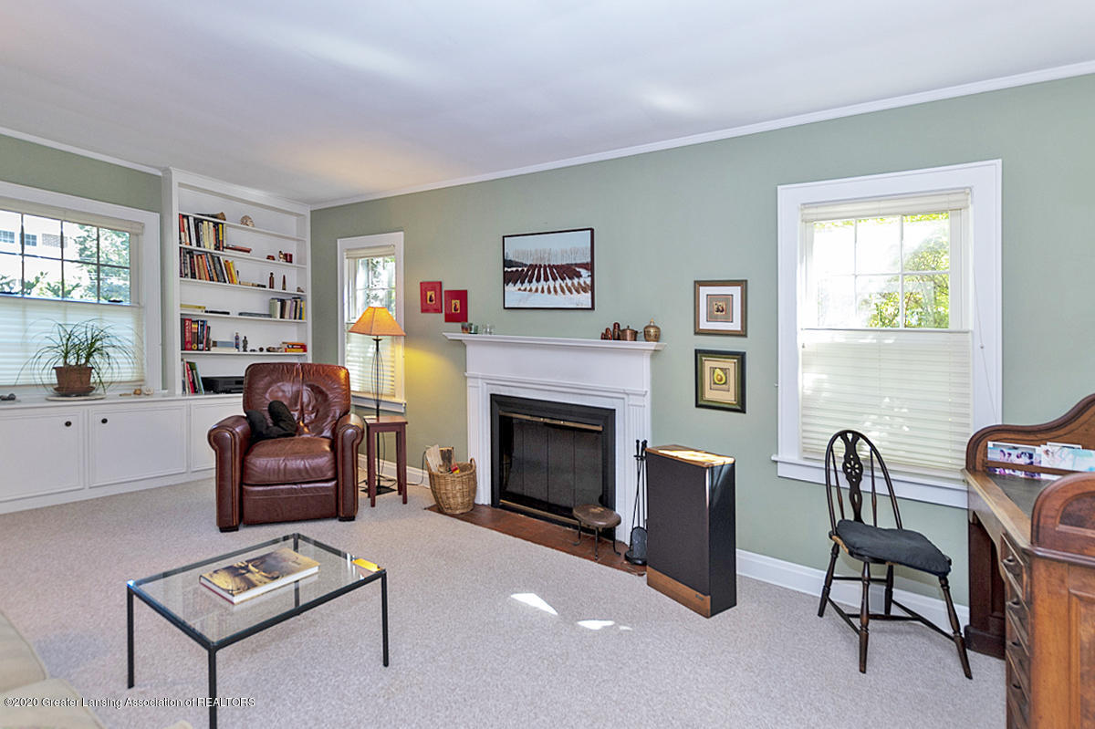 453 Rosewood Ave - Living Room - 6
