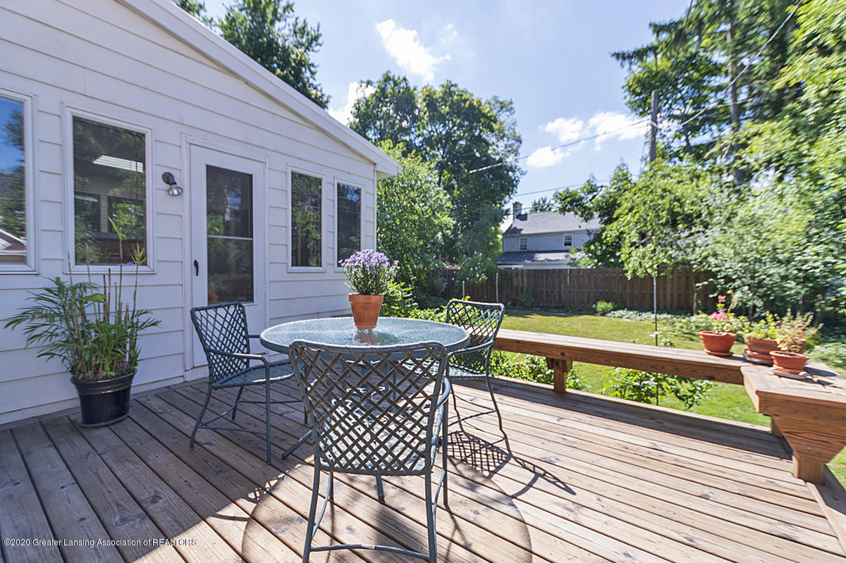 453 Rosewood Ave - Backyard Deck - 29