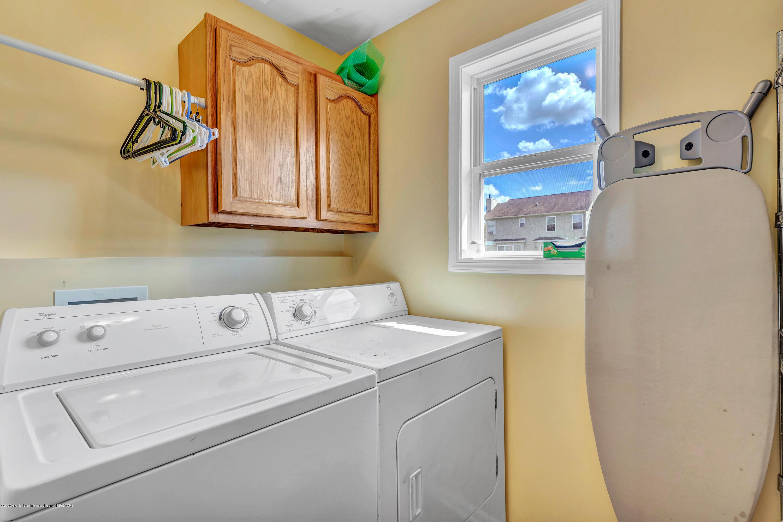 1572 Gander Hill Dr - First floor laundry - 15