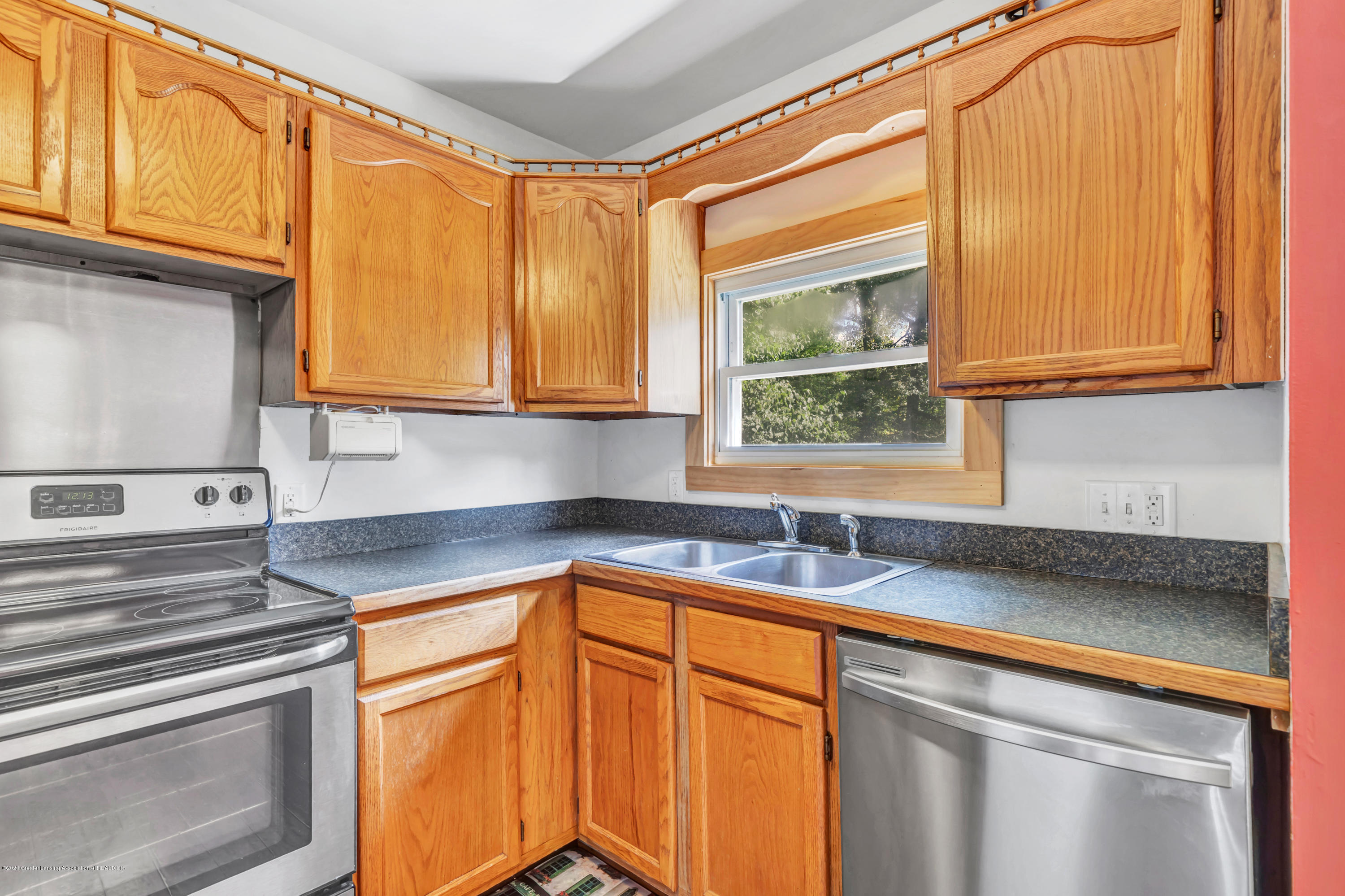 6641 Kingdon Ave - Kitchen - 8
