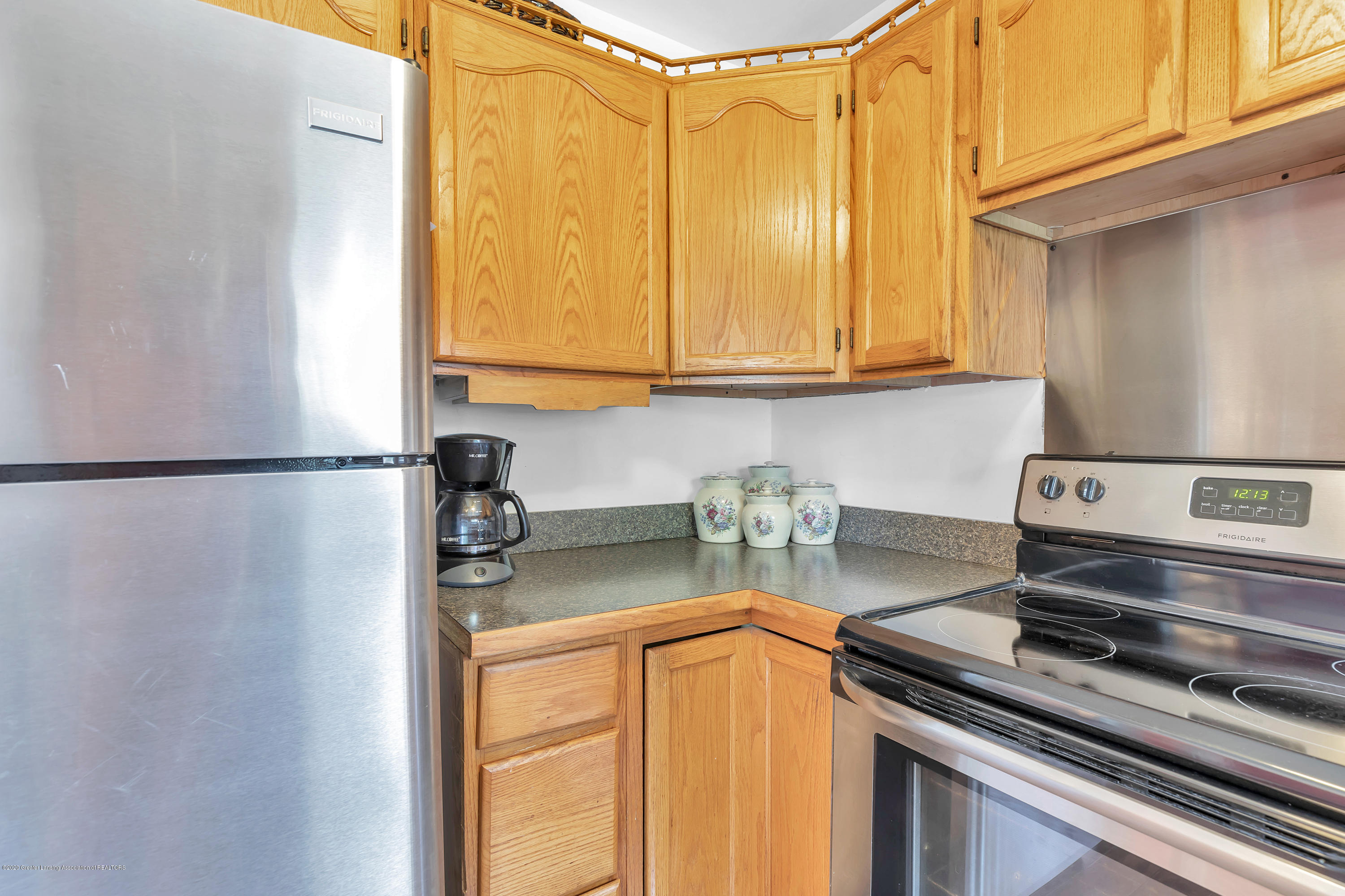 6641 Kingdon Ave - Kitchen - 9