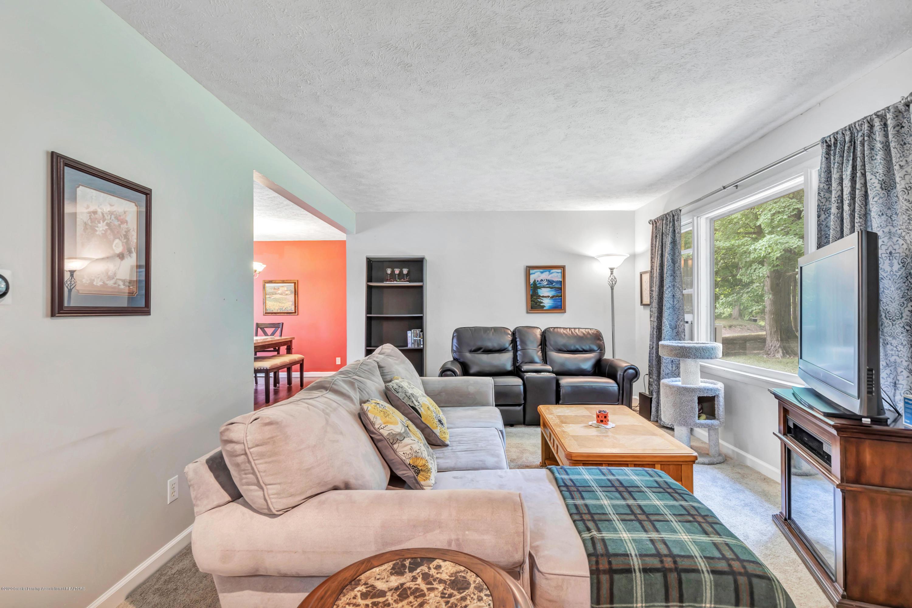 6641 Kingdon Ave - Living Room - 11