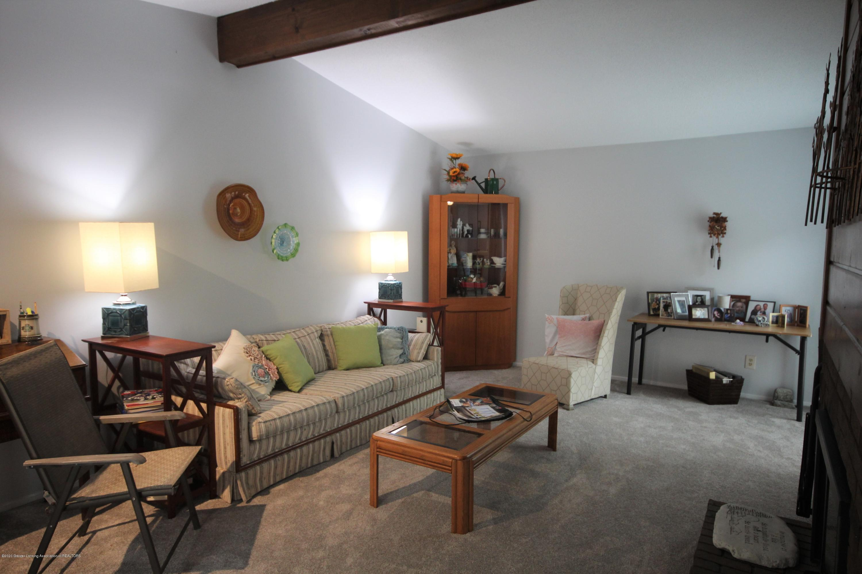 3721 Cavalier Dr 15 - Living Room - 3