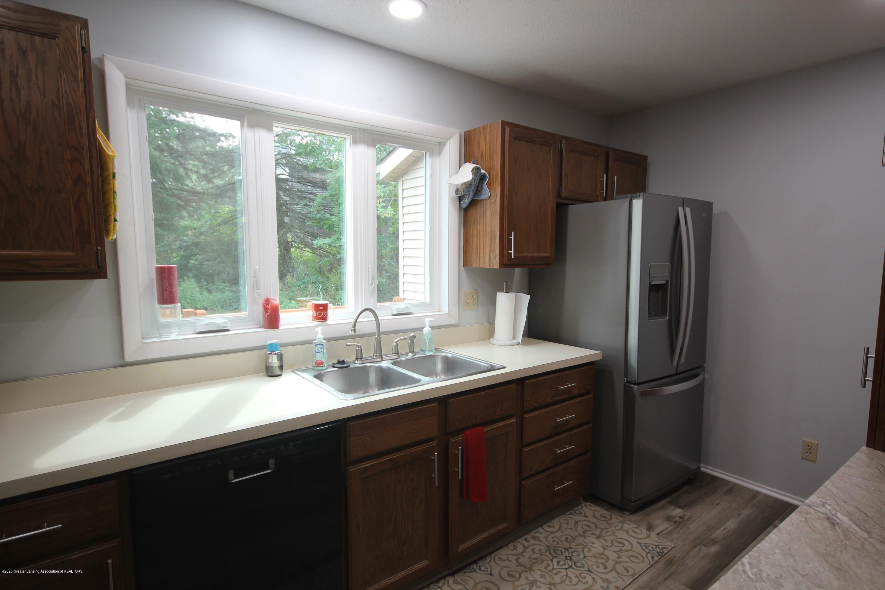 3721 Cavalier Dr 15 - Kitchen - 6