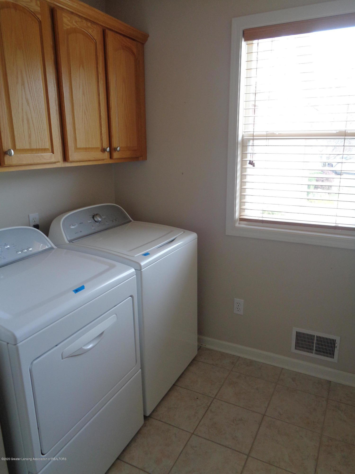 2067 Wovenheart Dr - woven heart laundry - 9